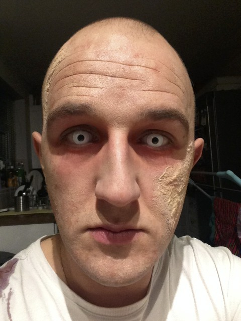 Zombie Costume Makeup -Eyes Stage 2