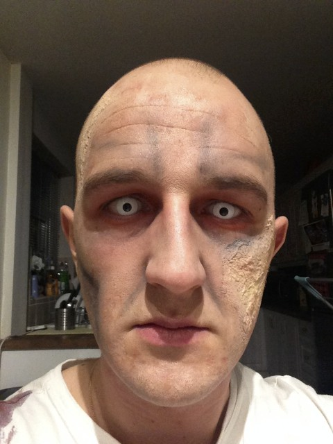 Zombie Costume Makeup -Eyes Stage 3